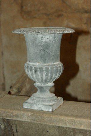 Vase Médicis en fonte Gris